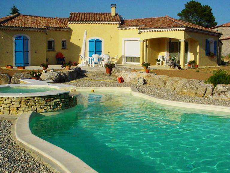 avantage piscine beton sur mesure